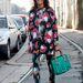 Sarah Battaglia már a street fashionbe is betört: Viviana Volpicella stylist a téli milánói Gucci bemutatóra talpig MSGM ruhában, Sara Battaglia táskával és Christian Louboutin cipőben érkezett.