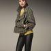 Palvinnak az 'eco leatherként' feltüntetett, 49900 forintos műbőr nadrág is jól áll