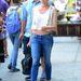 Diane Kruger mindennapi rohangáláshoz viselte farmerrel és Balmain-táskával.