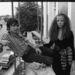 David Bailey  és egyik modell múzsája, Penelope Tree 1967-ben Londonban. Bailey ekkor már Catherine Deneuve férje volt.