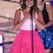 A Glee színésznője, Lea Michele is jól választott, Oscar de la Renta ruhájáról csak pozitívat írtak a külföldi lapok.