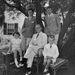 A stílus fiatalon is megmutatkozik. Kennedy (bal fent) már legényként is zakót és inget viselt.