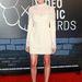 A Csajok című sorozatból ismerős Allison Williams Valentino ruhában szórakozott a VMA-n.