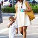 Kourtney Kardashian a fehér színt is nagyon szereti ám.