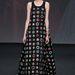 A modellen sem állt valami jól a Christian Dior Couture show-n, de rajta legalább nem volt túl hosszú.