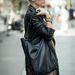 A napszemüveg is Zara, a táska F&F