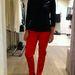 Mango: Szereti a piros és a fekete párosát? Ez az ön szezonja lesz. Ár: pulóver - 9995 Ft, nadrág - 9995 Ft