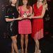 A Victoria's Secret PR-osa, Monica Mitro két modellel érkezett, balra Lily Aldridge, jobbra Lindsay Ellingson