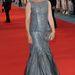 Juliet Stevenson egy peplumos csillogó ruhát választott.