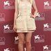 Ismét Dakota Fanning, most a Night Moves fotózásán augusztus 31-én, Marni ruhában.
