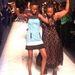 Az 1988-ban született tanzániai szépségkirálynő, Flaviana Matata leborotvált hajával hívta fel magára a figyelmet a 2007-es Miss Universe szépségversenyen.