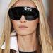 Futurisztikus napszemüvegben is tölthetjük a nyarat.