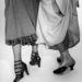 Míg az 1900-as évek legelején a nők még takargatták a bokájukat, a negyvenes években készült cipőknél már bátran halmozták a pántokat.