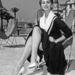Sophia Loren büszkén mutogatta a lábát a Cannes-i Filmfesztiválon 1954-ben.