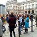 Somerset House, tömeg a bemutatók között