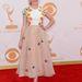 Kiernan Shipka, a Mad Men legfiatalabb női szereplője 13 éves korához illő Delpozo ruhában vett részt az Emmy-n.
