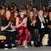 Hozzáértők a Saint Laurent show első sorában:Jonathan Newhouse, Grace Coddington,Anna Wintour, Valerie Trierweiler, Francois-Henri Pinault, Salma Hayek és Lenny Kravitz.