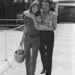 Jane Birkin és Serge Gainsbourg 1970-ben egy autóversenypályán.