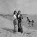 Cannes-i Filmfesztivál, 1974: Birkin megiont kosárral pózol, mint hat éve. A férfi azonban már nem Georges Harrisson hanem Serge Gainsbourg.