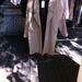 Nanushka nemrég árusította ki a tavaszi-nyári kollekció mintadarabjait , és most a korábbi kollekciók újraértelmezett darabjait lehet megvásárolni ugyanott. Ez a kabát gyönyörű, és 40 ezer forintot kérnek érte.