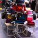 A kiegészítők közül a telefontokok és a karkötők ára is 10 ezer forint felett van, a táskák pedig 40 ezer felett.