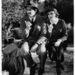 1934-ben Claudette Colbertnek köszönhetően divatba jön a Peter Pan gallér és a ceruzaszoknya.