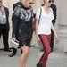 Így érkezett a Chanel bemutatóra Rita Orával.