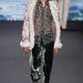 Anna Sui szerint így öltöznek a férfiak 2014 nyarán.