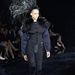 A  Louis Vuitton bemutató egyik legijesztőbb darabja.
