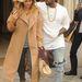 Szeptember 28., párizsi divathét: Kardashian másik kedvenc kabátja ez a Max Mara verzió.