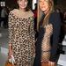 A két divatmániás barátnő a párizsi divathéten.