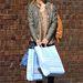 Goldie Hawn lánya hátizsákkal ment shoppingolni.