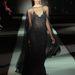 Az haute couture vonal új kollekciójának, a Nude-nak a bemutatóján a sötét színek domináltak.