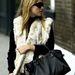 Kate Moss már 2003-ban ezzel flangált, mostanra már a legtöbb hazai celebnek is van Lariatja.