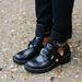 2012. szeptember, párizsi divathét: a divatmániások imádnak Balenciaga bakancsban járni, most már a Zarában is kapni hasonlót.