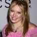 Hála istennek, a kislányos cuccokat is elfelejtettük az elmúlt 10 évben. Felismerik a képen Hilary Duff-ot?