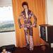 Szatén kezeslábas Bowie-n 1973-ban New Yorkban.