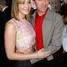 Jennifer Lawrence júliusban még vállig érő hajjal pózol a Dior tervezőjével, Raf Simonsszal.