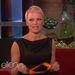 Pamela Anderson nem akart úgy kinézni, mint egy 22 éves prosti. Ezért vágatott.