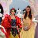 Hófehérke Oscar de la Renta ruhában és Belle Valentinóban pózolt a Harrodsban.