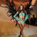 Alessandra Ambrosio legalább tényleg szárnyakat kapott, bár nem tűnik velük ártatlan angyalnak.