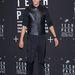 Férfiak is bátran hordhatják, Kanye Westen kívül Lee Cheon-Hee, dél-koreai színésznek is jól áll a bőrpóló.