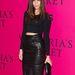 Nehéz benne lépkedni, de megéri kipróbálni a bőrceruzaszoknyát. Julia Restoin Roitfeld, a francia Vogue ex-főszerkesztőjének, Carine Roitfeldnek a lánya. Vérében van a divat.