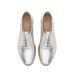 Fűzős cipő ezüst színben 15995 forint a Zarában.