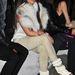 Kardashian kötött bokacsizmájának is nyitott az eleje.Ki érti ezt.