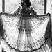 Una Watt Magi Young áttetsző estélyi ruhájában mutatta meg sziluettjét 1973-ban.