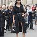 Miroslava Buro divatszerkesztő, a Buro 247 alapítója Chanel táskával a párizsi divathéten.