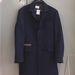 A férfiak is tudnak válogatni, ez a kabát például 45 ezerbe kerül.