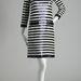 Egy csíkos, flitteres Yves Saint Laurent ruha 1966-ból. Szívesen lecsapnánk rá, ha lehetne.