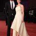 Jennifer Lawrence még mindig Rómában: november 14-én a premier után a 8. Nemzetközi Római Filmfesztiválra gyönyörű ruhában, de túl bő szandálban érkezett a színésznő.
